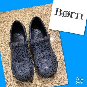 Born navy blue clogs shoes 8